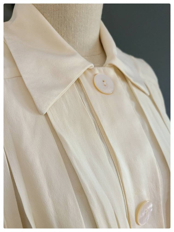 80's Burberrys Ivory Silk Pleated Blouse - image 5