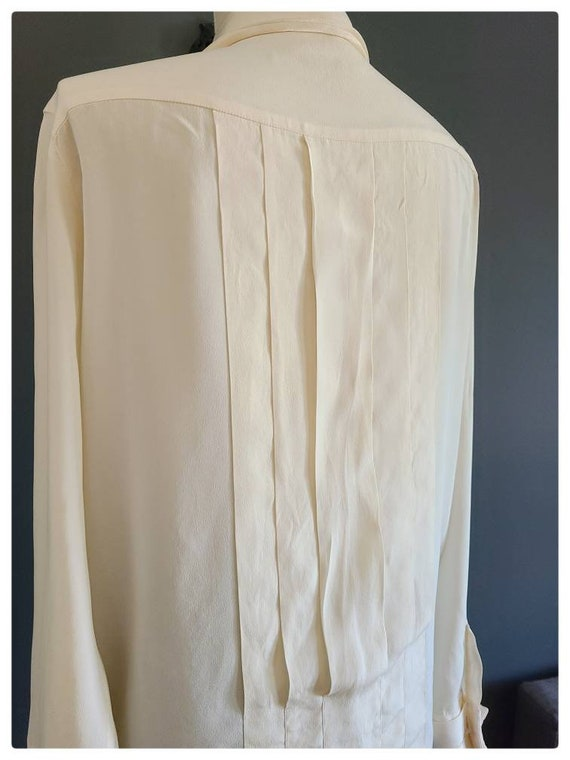 80's Burberrys Ivory Silk Pleated Blouse - image 6