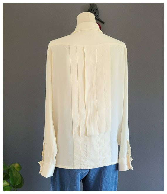 80's Burberrys Ivory Silk Pleated Blouse - image 3