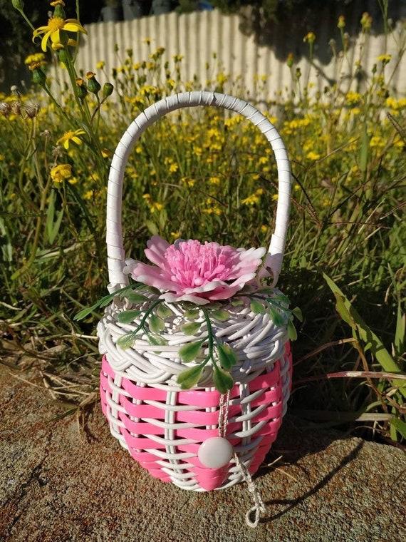 Sweet Child's Tiny Wicker Purse Handbag Easter Par