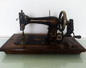 Hand Crank Davis Sewing Machine Vintage American Sewing Machine