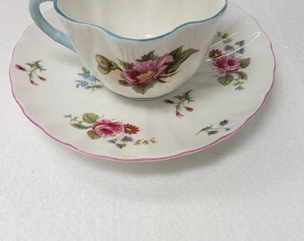 Superb Shelley FREE SHIPPING Vintage Floral Pattern Shelley  Begonia 13427 Cup /& Saucer Late Dorothy Shape I Beautiful condition