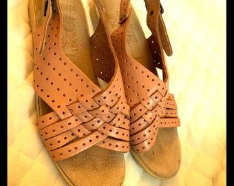 54226e9d982a8 Rare sandals | Etsy