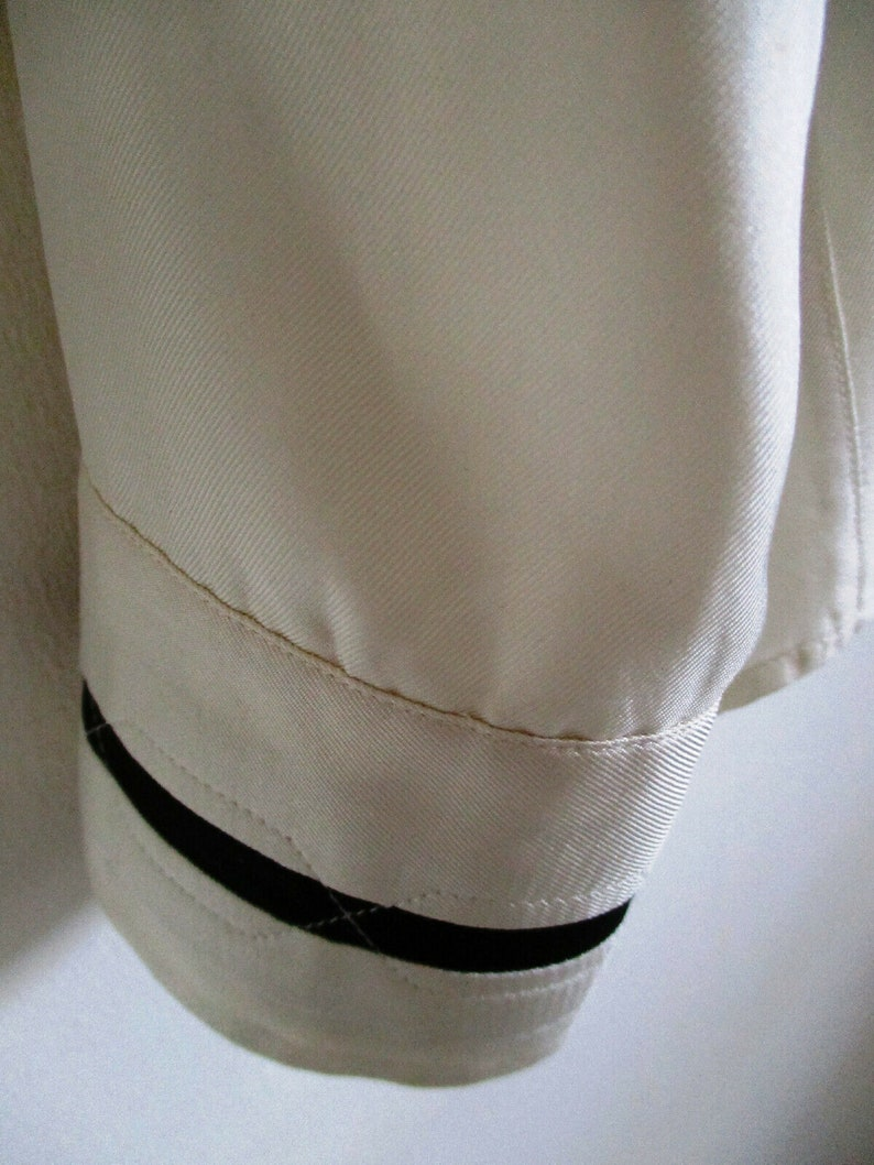 Gianni Versace Men/'s Long Sleeve Silk Pleated White with Black Stripes Size M-48