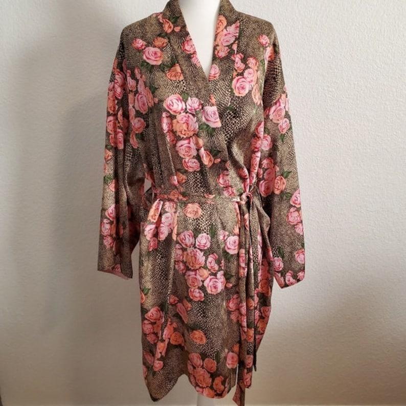 Cruz Vintage Elegant Snakeskin Rose Satin Wrap Around Robe