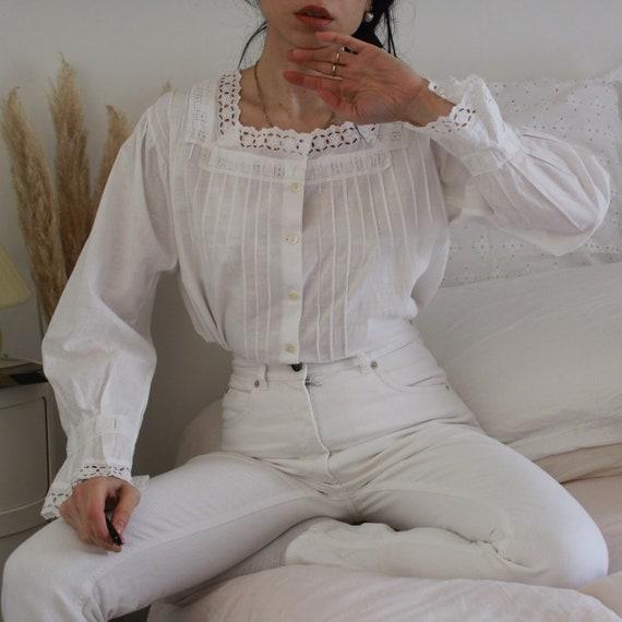 Antique 1920 white cotton and lace blouse