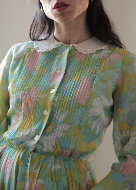 Vintage 60s floral Peter Pan collar cotton dress - image 9