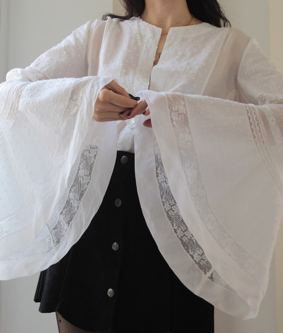 Vintage extra big bell sleeves silk and cotton whi