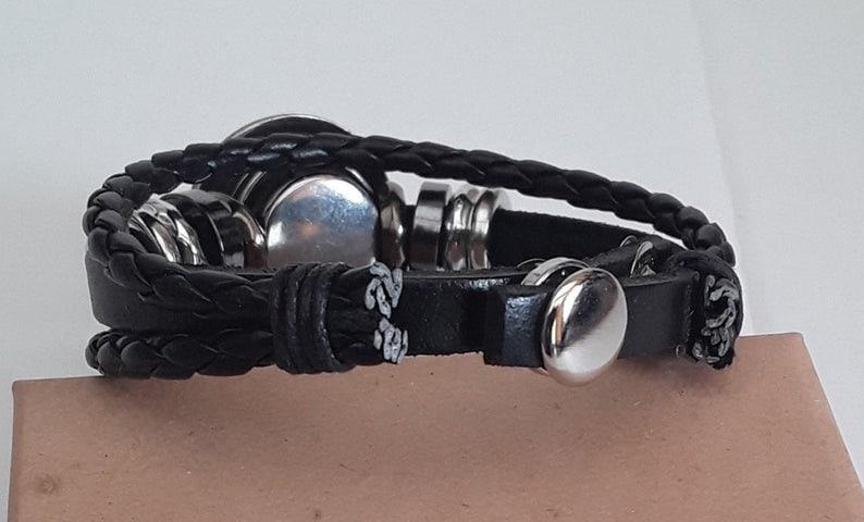 18 to 20 cm sicile bracelet black by 2 pressures adjustable flag leather press button emblem