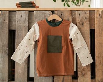 Herbstfarbenes Kindersweatshirt, Unisex Oberteil, Langarmshirt, Terrakotta, Gemüse Muster, GrünesKord, grün braun, Weihnachtsgeschenk