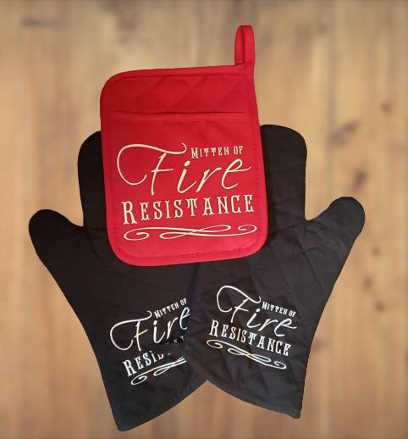 Oven Mitt  Dungeons and Dragons RPG Mitten of Fire Resistance image 0