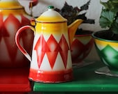 Vintage Emo Celje White Yellow Red 2L Enamel Kettle Spray Stencil Made Yugoslavia 1950s Retro home Decor Rustic Enamelware Kitchenware