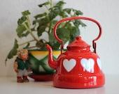Vintage Emo Celje Enamel Kettle - Heart Spray Stencil Made in Yugoslavia - Red White - Retro home Decor - Rustic Enamelware
