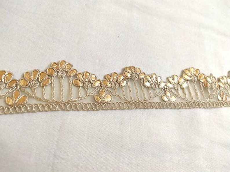 Golden Gota Cut Work Floral Design Laces 10 Yards