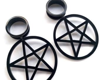 Visible plugs pentagram Dvinge