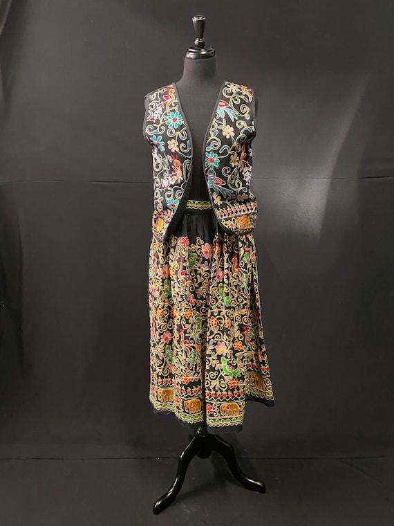 Unique 1960's Embroiders Suit - Skirt / Waistcoat