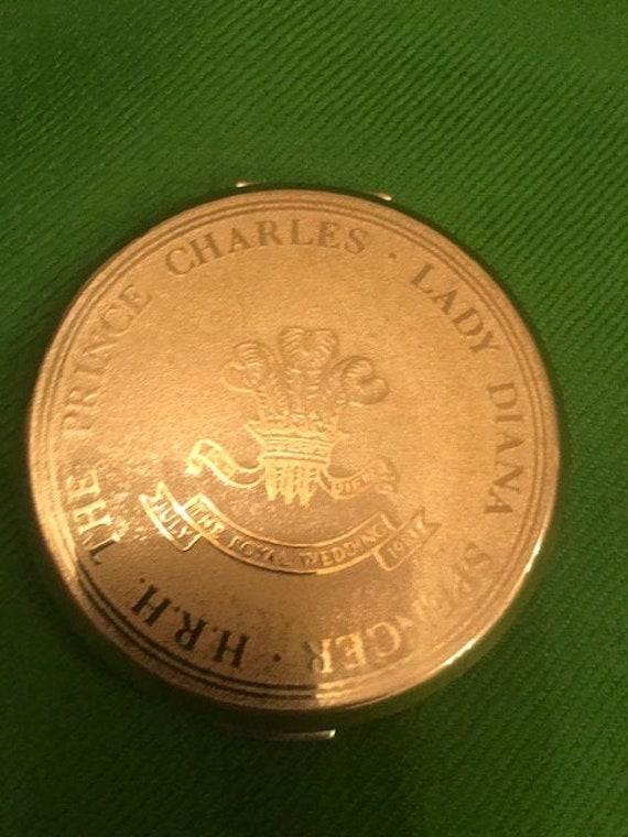 Prince Charles & Lady Diana powder compact - image 1