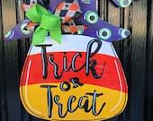 Candy Corn Witch Door Hanger Halloween Wreath Witch Door Hanger Halloween Door Décor Witch Wreath Halloween Door Hanger Halloween Sign