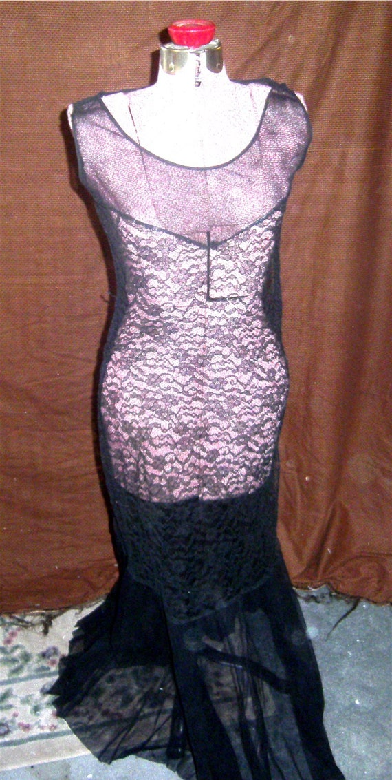 VINTAGE DRESS Black Lace Evening Gown – 1920's