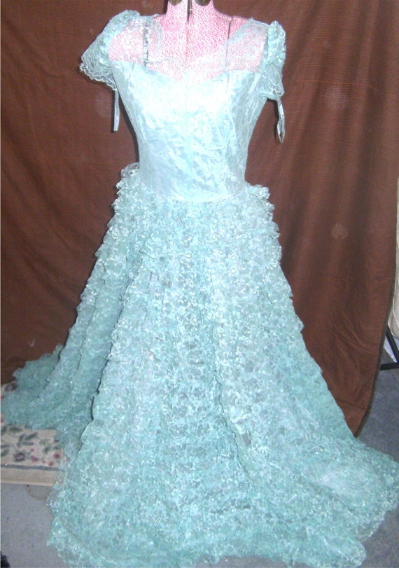 VINTAGE DRESS - Mint Green – Tulle/Lace Prom Dress