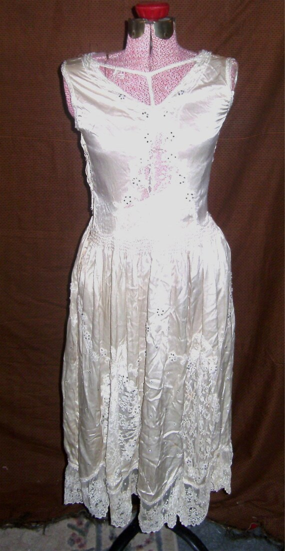 VINTAGE DRESS –1920's Evening Dress - Pearls - Lac