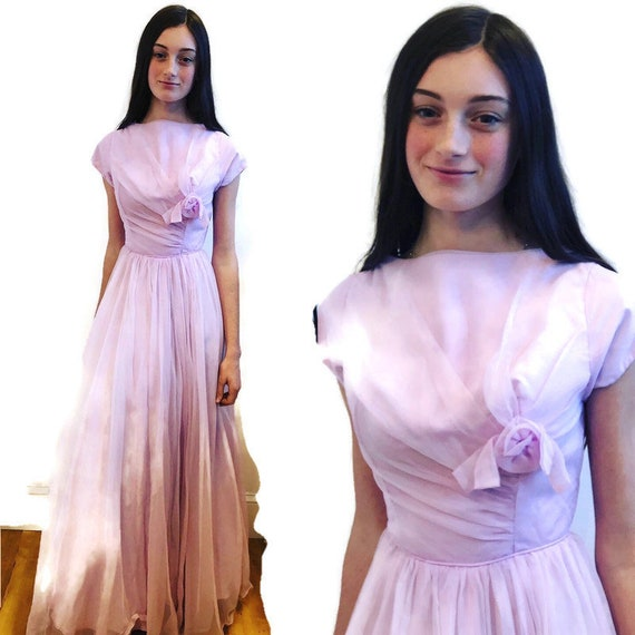 1950's Pale Lavender long short sleeve gown Fit a… - image 4