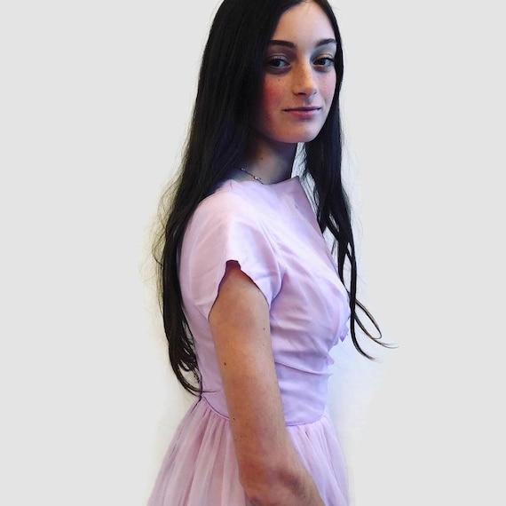 1950's Pale Lavender long short sleeve gown Fit a… - image 5