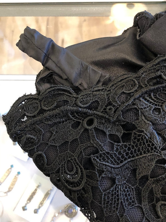 Scaasi 1980's Boutique Black lace dress with crin… - image 6