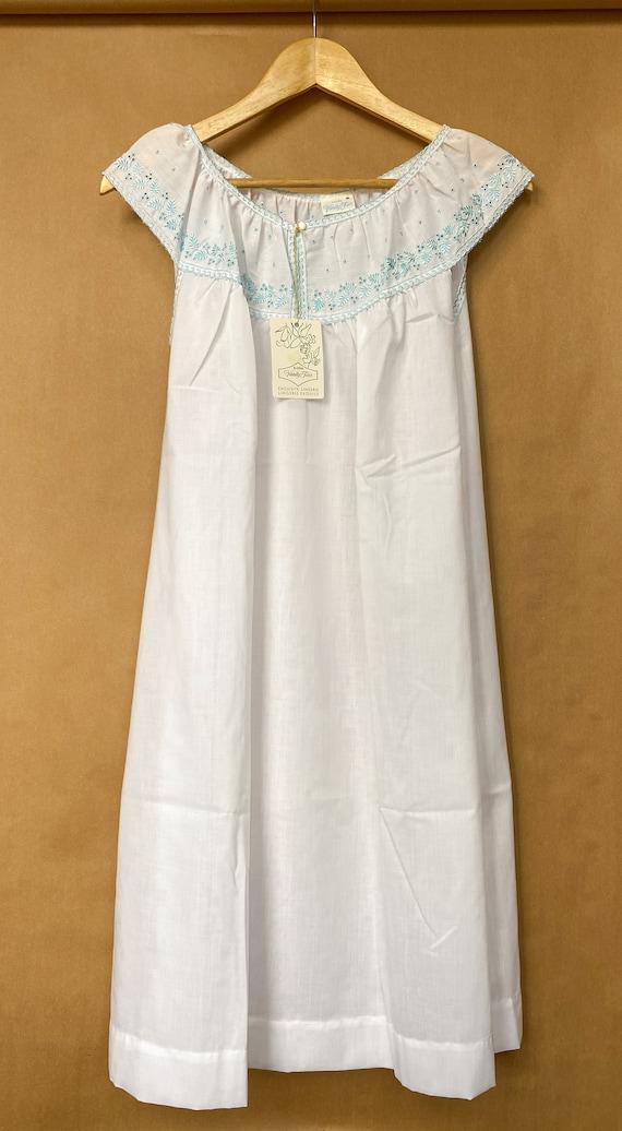 Vintage Vanity Fair Nightgown - image 3