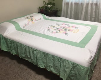Vintage CANDLEWICK HAND MADE Bed Cover and Dust Ruffle Set