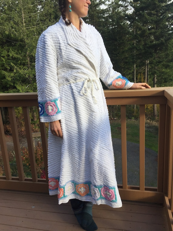 Vintage Old Hollywood Style Chenille ROBE - Plush
