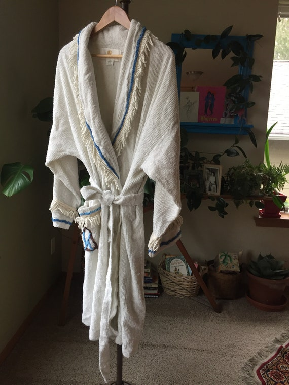 Vintage Off-WHITE Chenille ROBE with Fringe and Sa
