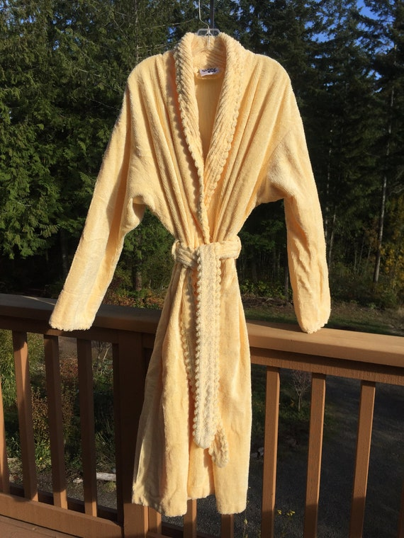 Vintage YELLOW Chenille ROBE - The Company Store H