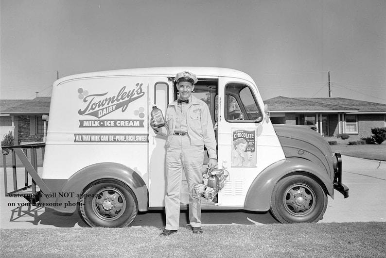 4x6 Vintage Ice Cream Truck Milk Truck PHOTO 1953 Townley/'s Dairy Delivery Man