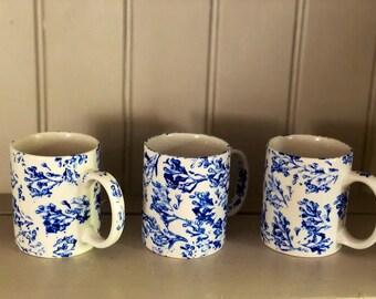 Set of 6 blue or pink mugs