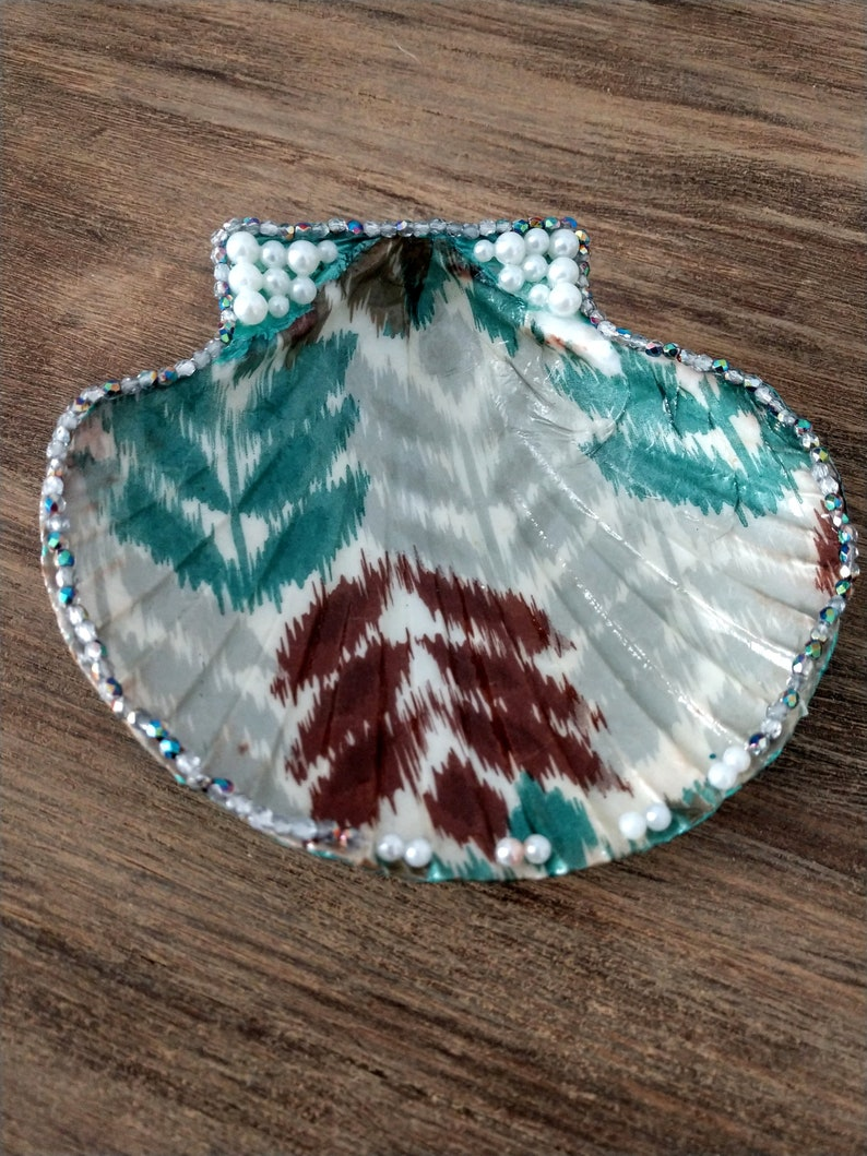 Clam Shell Ring Dish