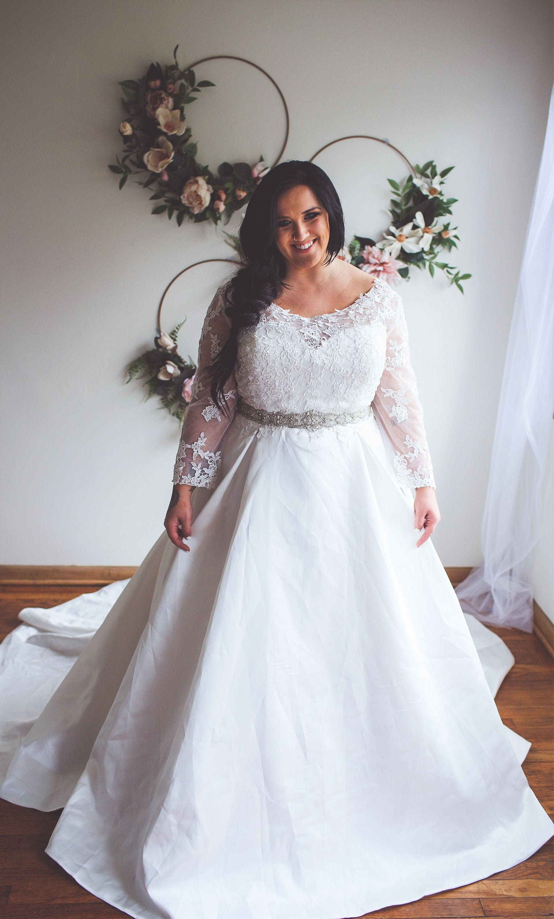 Long Sleeve Plus Size Wedding Gown   Melli for the Classic Bride size 18 18