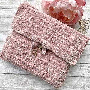Medium Fold-Over Hobonichi Weeks Crochet Pouch