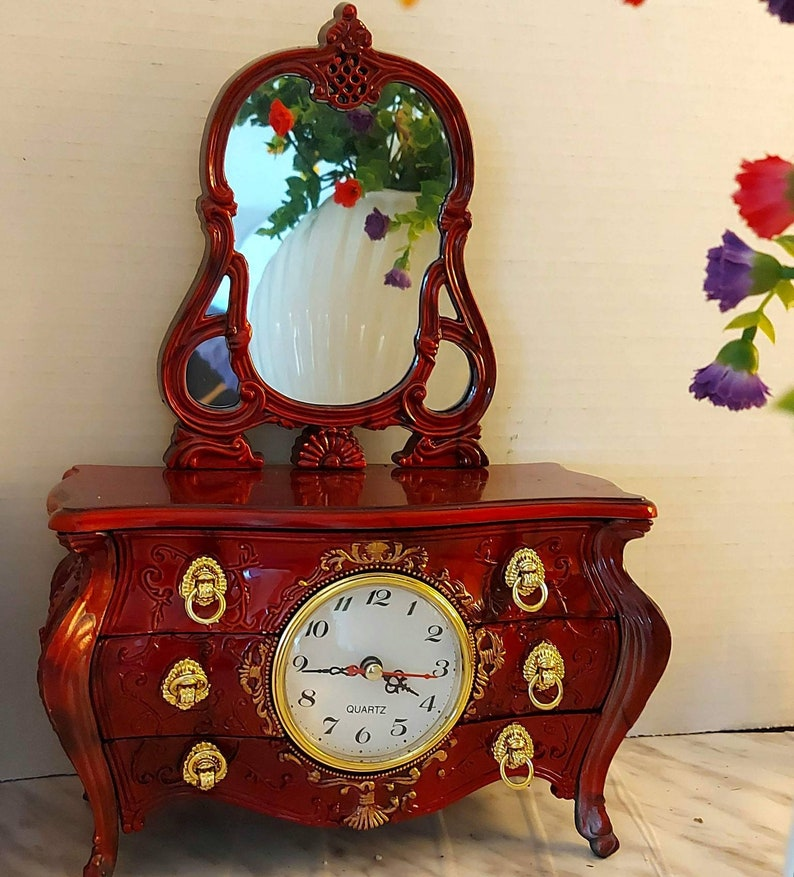 Quartz Clock Mirror Armoire Vanity Dresser Gloss Musical Jewelry Box Vintage Jewelry Plastic Red Gifts for Her Made in China,