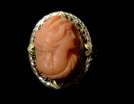 14K Victorian  High Relief Coral Cameo Ring