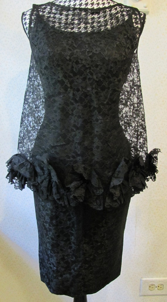1950s1960s W:25 EMMA DOMB LBD black lace overlay off shoulder short sleeve scallop neckline pleated peach satin bust pencil wiggle dress