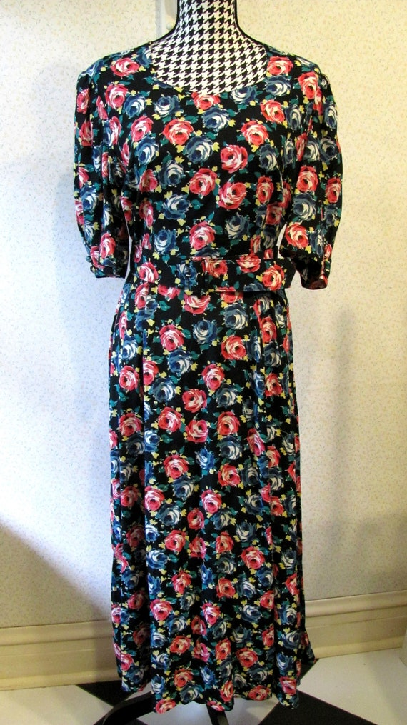 Classic Vintage LAURA ASHLEY ROSES Fit and Flare P