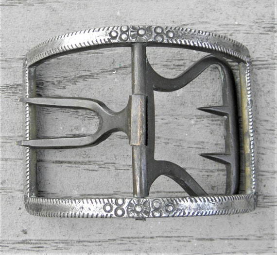 Unusual Antique Belt buckle for leather or cloth G
