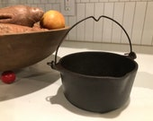 Small Wagner Ware flat base kettle