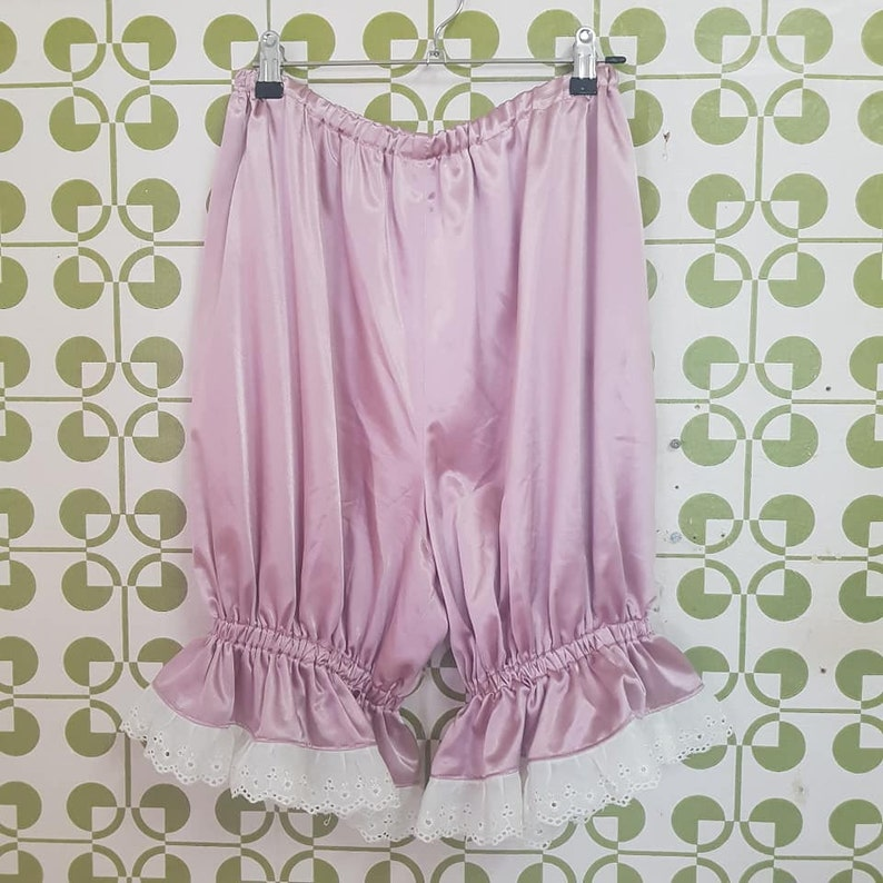 Women/'s dusty pink Victorian bloomers with lace trim size 10-12 au