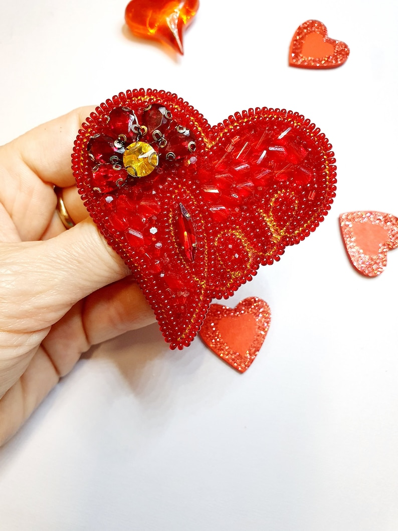 Red heart brooch.Glass beaded brooch-heart jewelry-handwriting gift.Gift for wife is 7th anniversary gift.