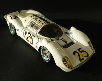 1:18 ferrari 330 P4 NART #25 par Jouef Evolution avec ouvrants gagnante 24h Daytona 1967 made in Italy no box qqs traces usures du temps
