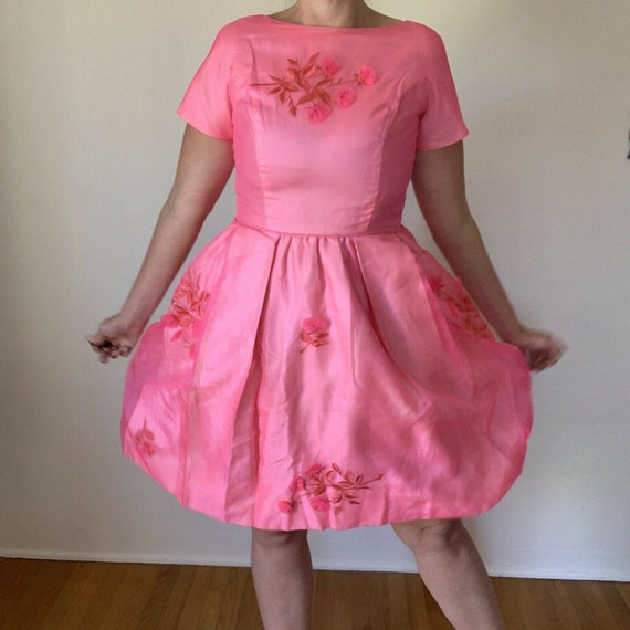 Vintage 1960/'s Pink Cocktail Dress with Floral Appliques Size 10