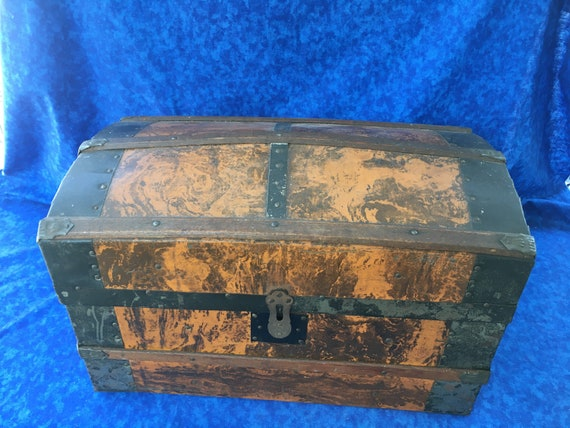 Vintage Children's 1850-1870 Steamer Trunk
