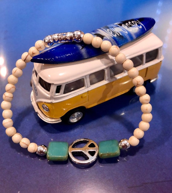 Peace Sign Bracelet. Womens Bracelet/Gift for her. Boho, Stretch Bracelet